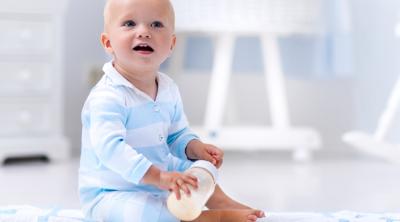 Anne Sütü Saklama Poşetinde Buzlukta Bekletilen Süt Nasıl Çözdürülmeli ve Kullanılmalı?