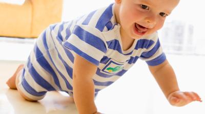 Bebek Ne Zaman Emeklemeye Başlar ?