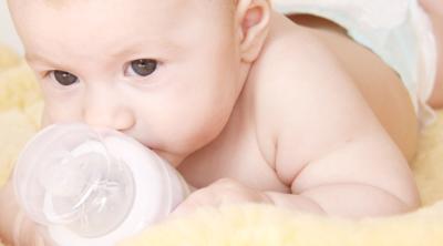 Bebekler Biberona Nasıl Alıştırılır ?